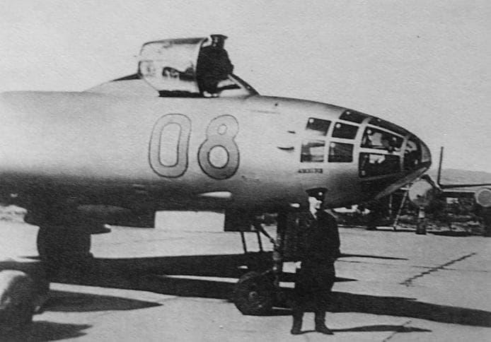 Евдокимов Г.П. у самолёта. 1966г.