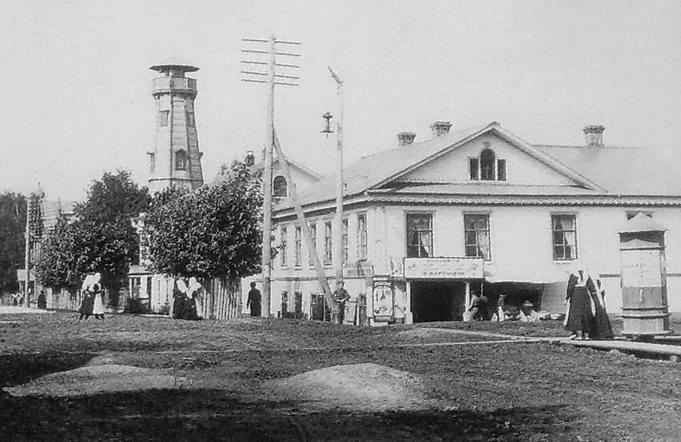 Пожарная каланча на Кругло-Вознесенской улице. Глазов. 1910-1914 гг.