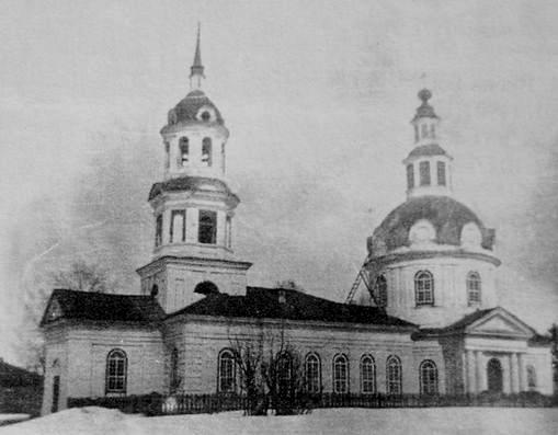 Чутырь. Храм в честь Сретенье Господне. Приход основан 1752 г. Классицизм.