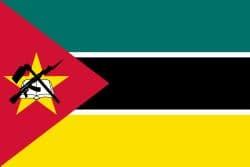 Флаг Мозамбика — единственный в мире флаг, на котором есть изображение современного оружия — автомата Калашникова.