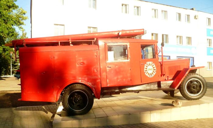 Пожарно-спасательная часть № 2 на Коммунаров, 323 Ижевск. Старая пожарная машина. Машина на ходу.