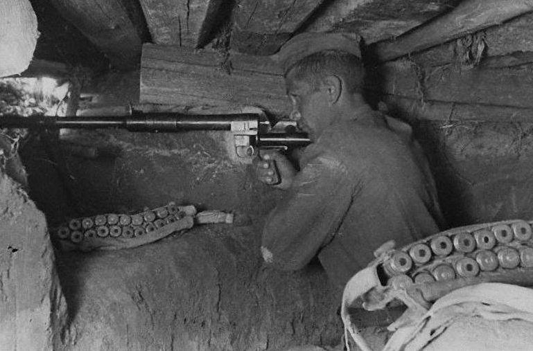Противотанковое ружьё системы Дегтярева В.А. (ПТРД-41) во время ВОВ.