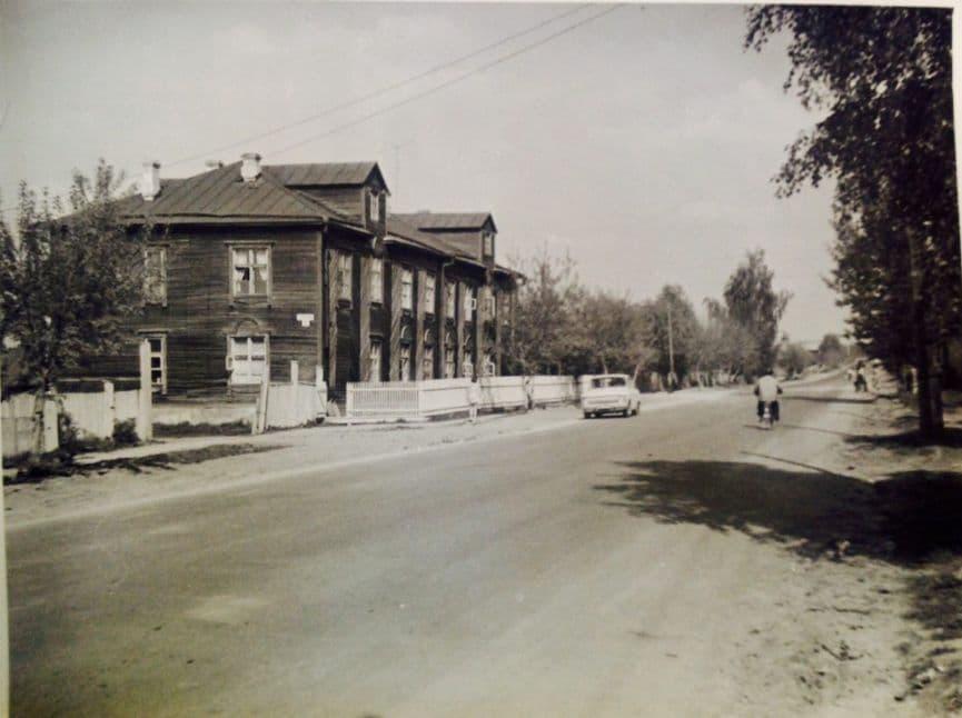 Улица Холмогорова, д. 15а, участок между улицами Волочаевской и Новой Восьмой. Май 1977 года. Ижевск.