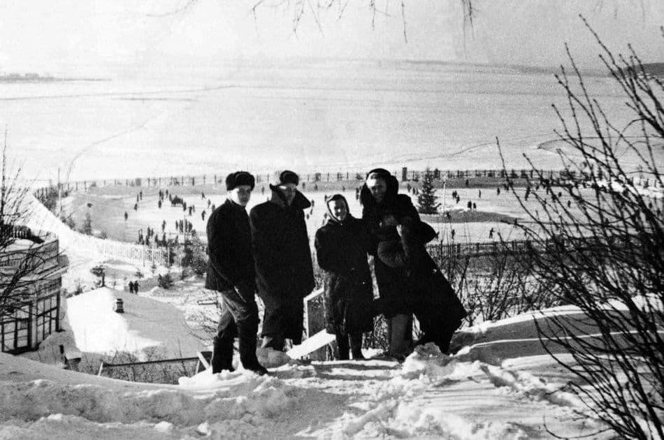 Каток на Ижевском пруду. Ижевск. 1951 год.