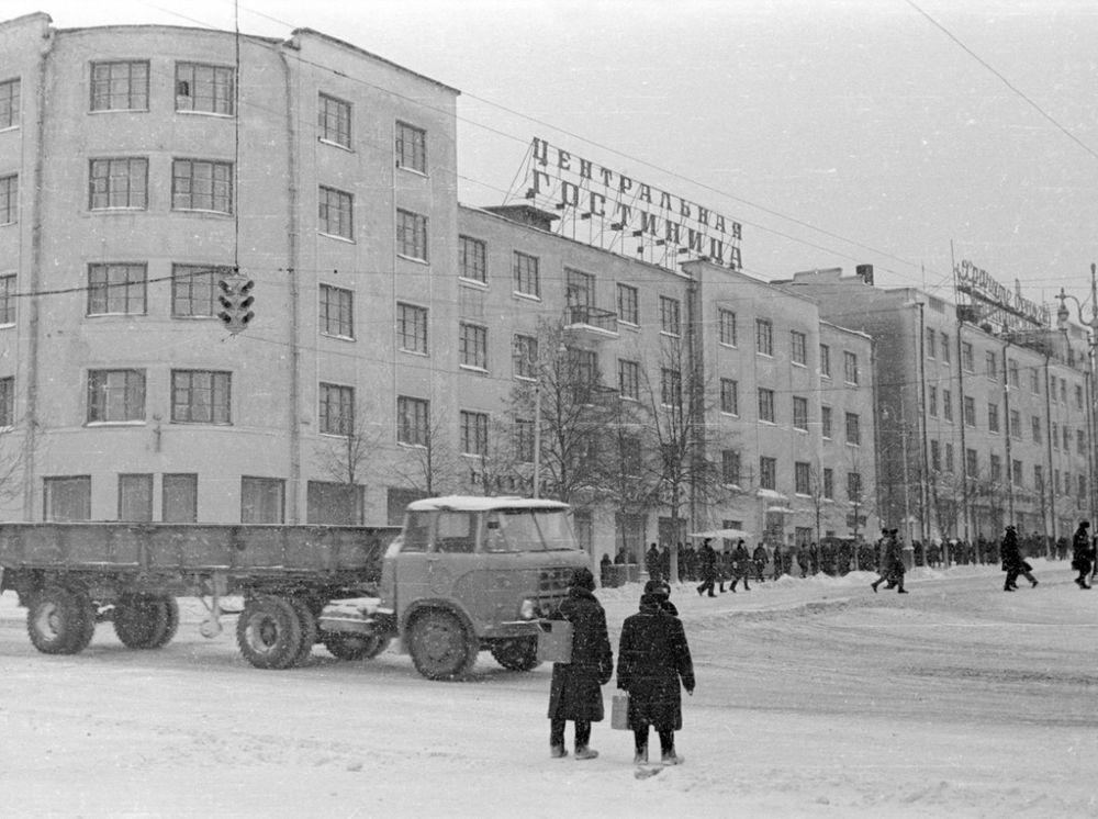Дом Горького 68. Гостиница Центральная. Ижевск.