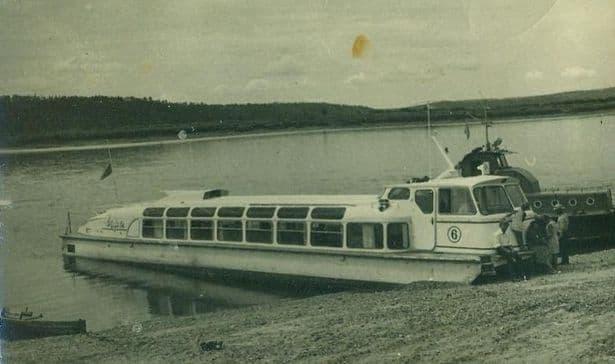 Катер на Воткинском пруду.