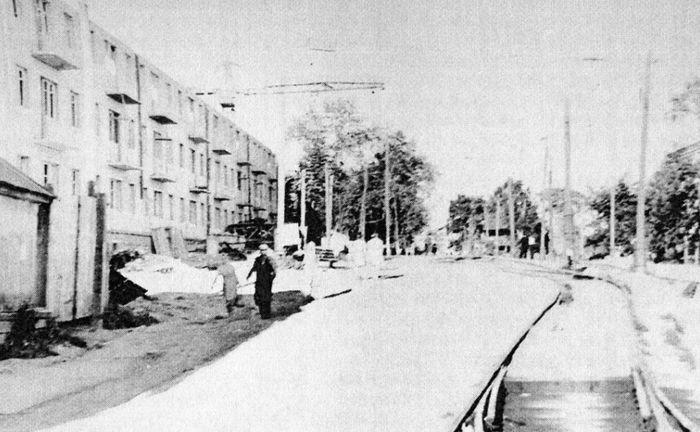 Улица Труда. Май 1960 г. Трамвайная линия в сторону Соцгорода.