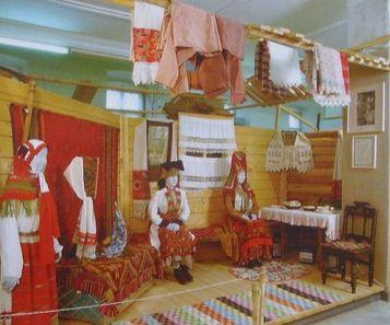Экспозиции, посвящённые жизни и быту удмуртского народа.