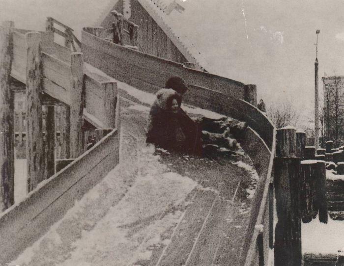Детский городок у кафе Бригантина. Ижевск. 1978 г.
