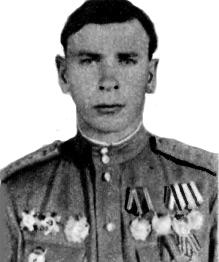Инструктор Ижевского аэроклуба Аким Григорьевич Ивайкин. Он выпустил пять групп пилотов.