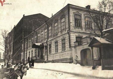 Бывшая женская гимназия. Ижевск.