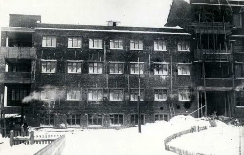 Недостроенное здание Дома Союзов на ул. Свободы 139. Ижевск
