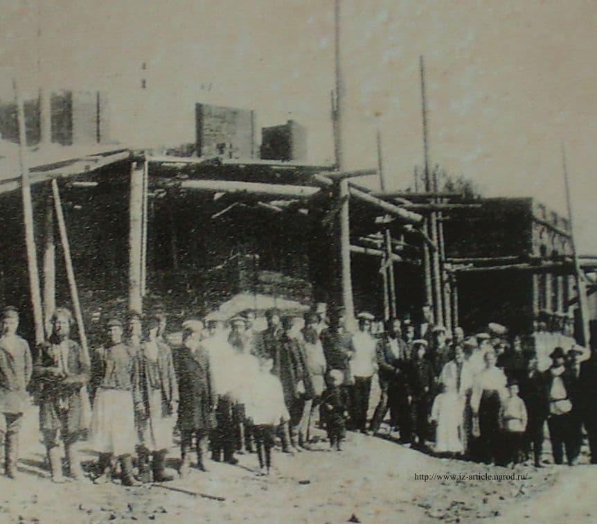 Закладка здания ижевской земской больницы.