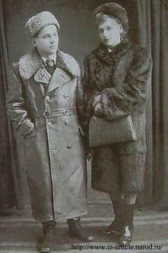 В 1977 году от тяжелой болезни умерла Екатерина Викторована - жена Калашникова, (1921—1977) — техник конструктор по специальности