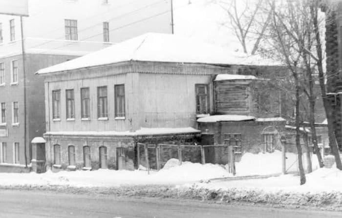 Дом Алаторцева на Базарной. Ижевск.
