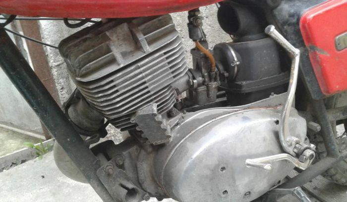 Двигатель мотоцикла ИЖ-Планета-5.