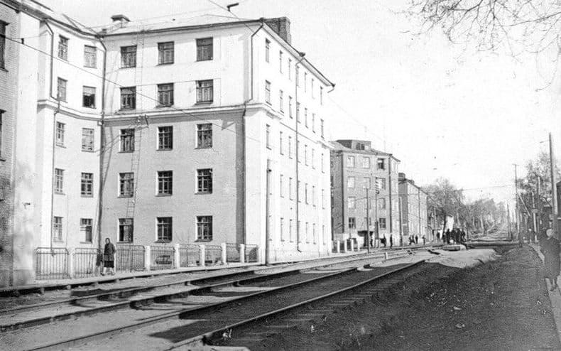 Улица Карла Маркса 175 и 177. 1935 - 1940 годы. Перекресток с ул.Советская. Ижевск.