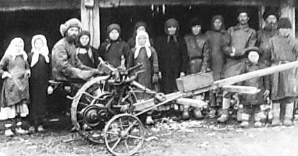Члены товарищества по обработке земли в д.Лудорвай. 1930 г.