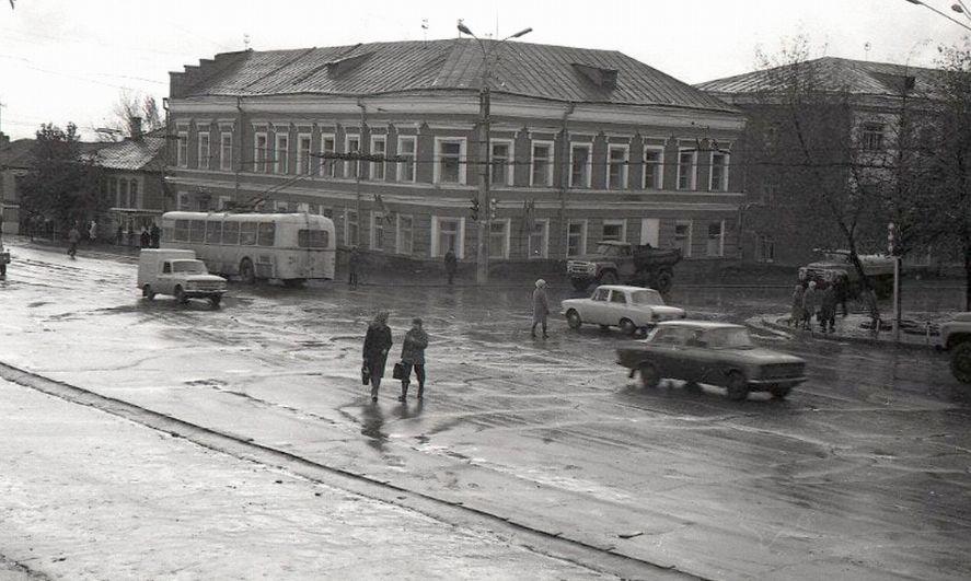Дом Егора Новикова. Перекресток Горького-Ленина, фото 1970-х. Архив ИжГЭТ.