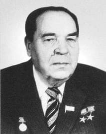 Белобородов Иван Федорович директор Ижевского машзавода (позднее ПО Ижмаш).