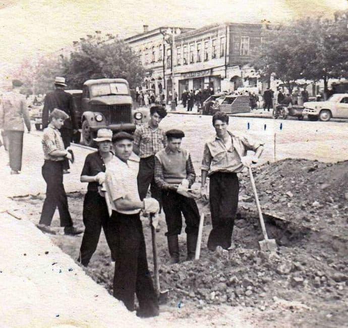 Земляные работы на улице Горького 1965 год. Ижевск.