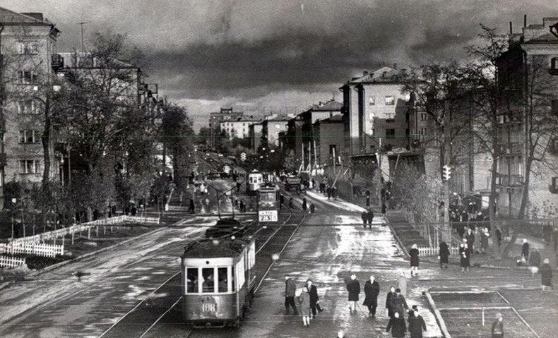 Трамваи на улице Труда (Ленина). 1960-1963г. Ижевск.