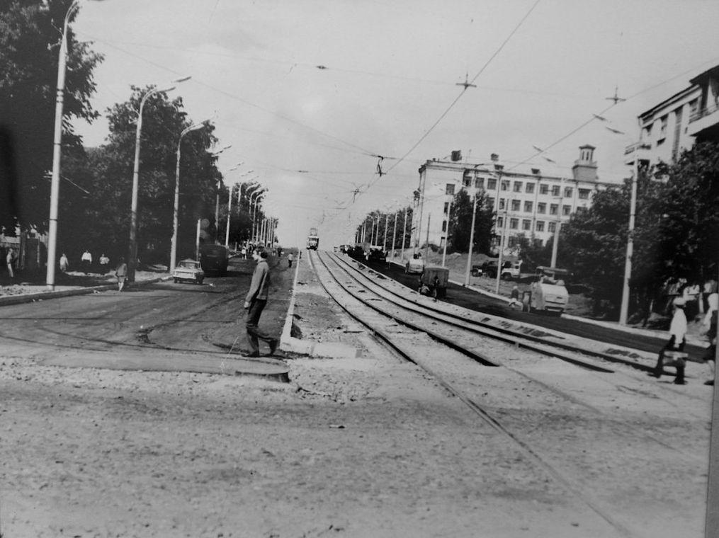 Расширение улицы К.Маркса. Дом №12 по Красногеройской с бельведером.  Фото из коллекции Д.Тетерина.