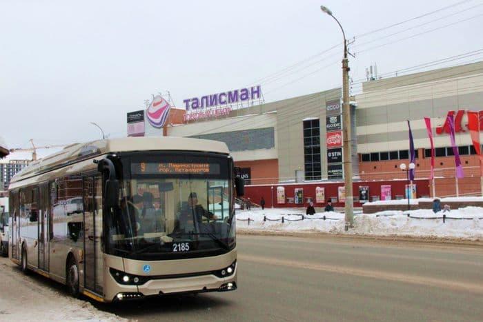 ТЦ Талисман на ул. Холмогорова. Испытания троллейбуса с автономным ходом. Ижевск.