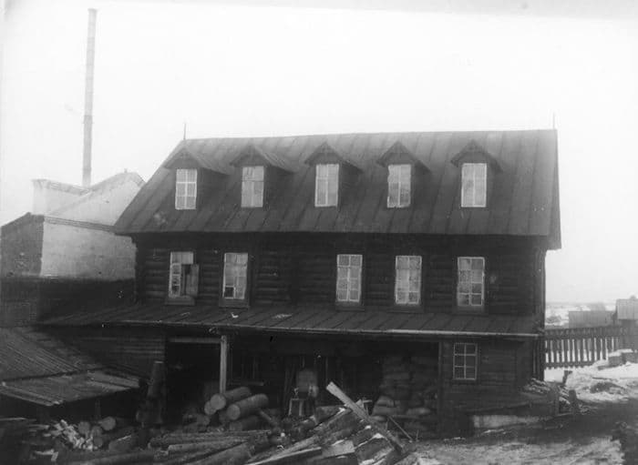 Мельница на фабрике Евдокимова А.Н. в Ижевском заводе. Фото до 1917 года. ЦГА УР.