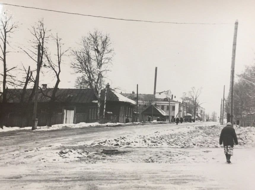 Переулок Красногеройский на перекрёстке с улицей Свободы, 1950-1960-е гг. ЦГА УР. Ижевск