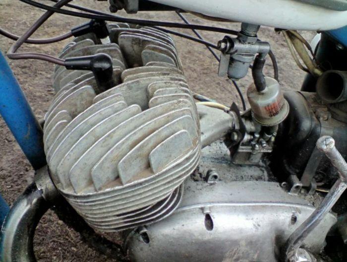 Двигатель мотоцикла ИЖ Юпитер-5.