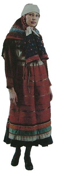 Летняя праздничная одежда молодой женщины. Вятская губерния. Сарапульский уезд. Удмуртская народная одежда.