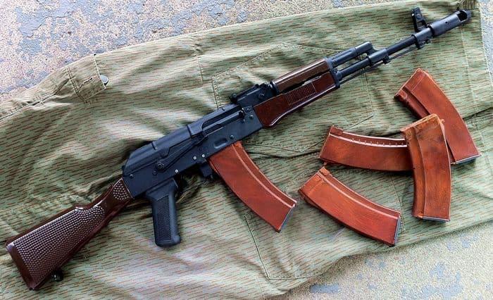 Почему у АК-74 оранжевый магазин?