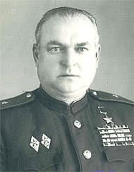 Глебов Виктор Сергеевич - генерал-лейтенант, герой Советского Союза.
