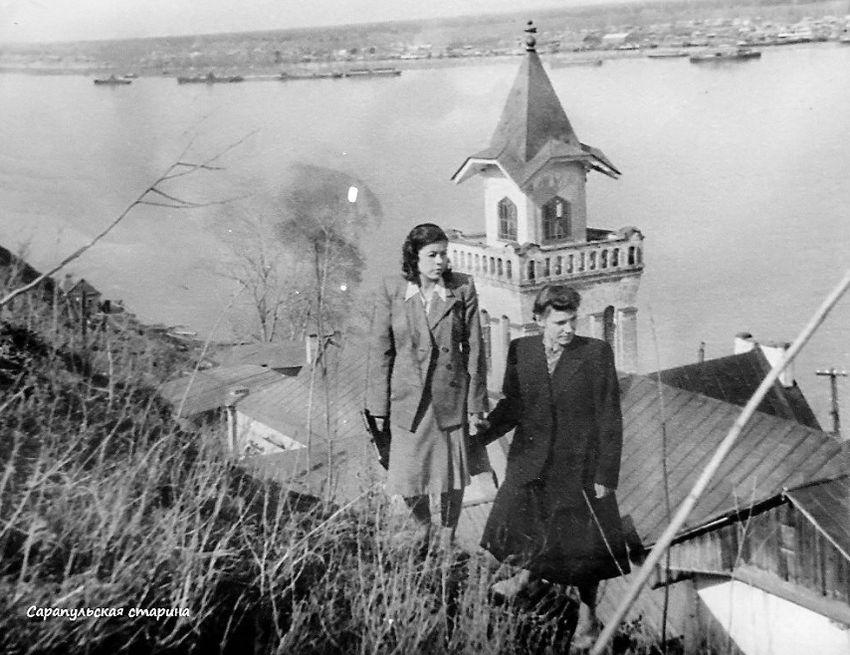 1958 год. Сквер на Старцевой горе. Вид на Каму и Симониху