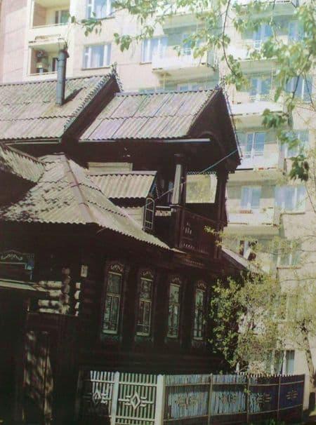 Дом с мезонином по улице Красная №319 Ижевск.