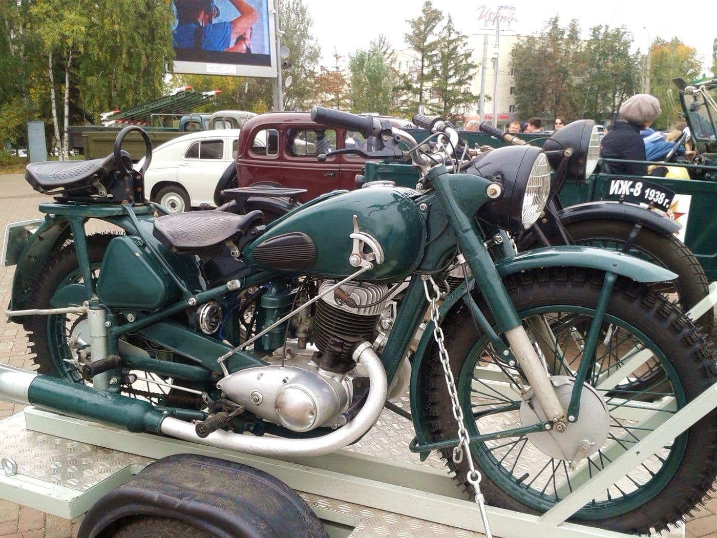 Мотоцикл Иж 49. Ижевск. Фото 2018 год. ДВА.
