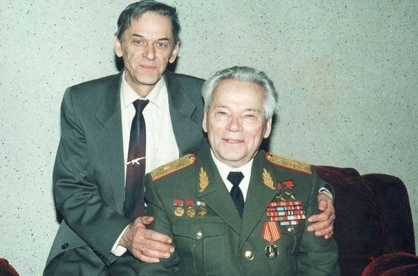 Калашников со своим сыном Виктором.