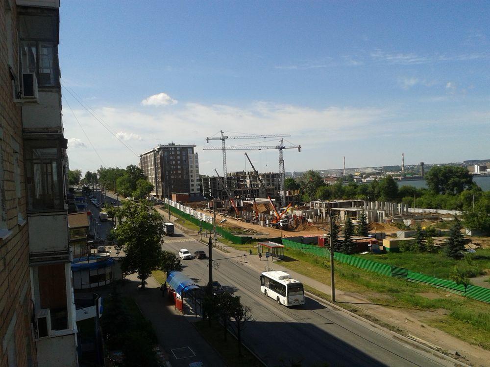 Улица М. Горького. Фото с балкона дома №162. Ижевск. ДВА. 12 июня 2019 года, 9:39 утра.