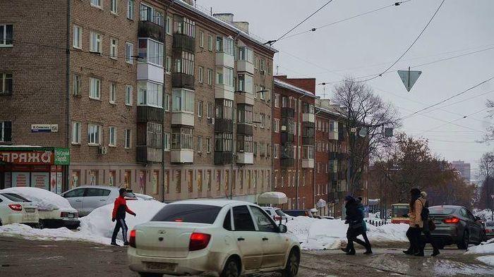 Дома улица В.Сивкова 154 и 152. Ижевск. 2017 год.