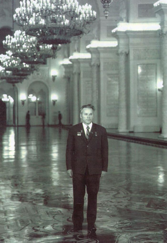 М.Калашников