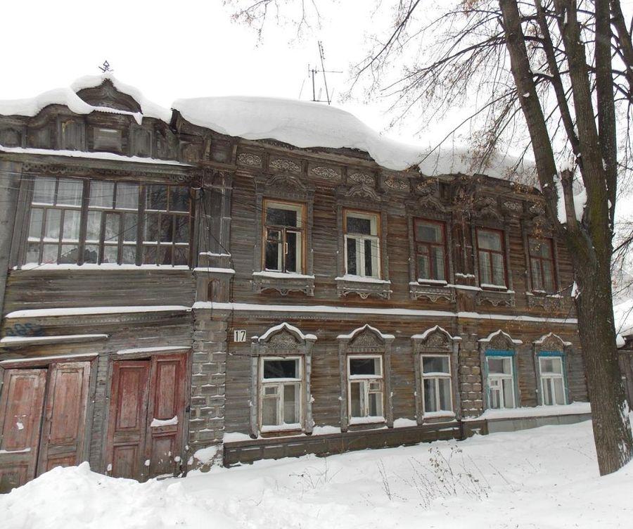 Деревянный дом кондитера Вольфа. Сарапул ул. Первомайская 17.