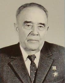 Палладин Николай Иванович  - директор  ПО Ижмаш.