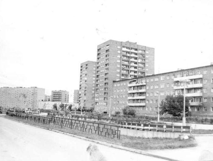 "Жилые дома по улице Карла Маркса в Глазове 1980 год. Ресурс: Фотокаталог ГКУ ""ЦДНИ УР""."