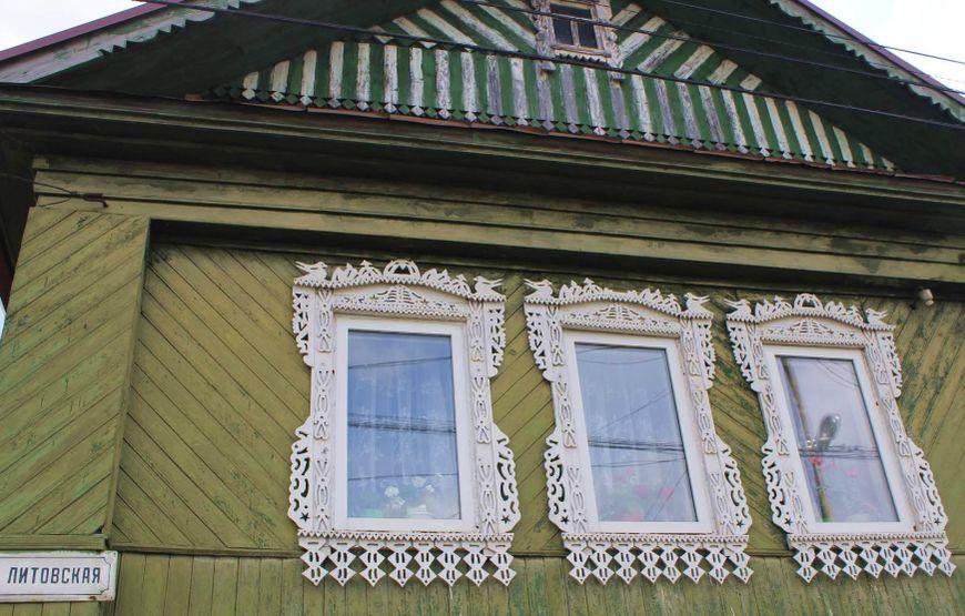 Оконные наличники на улице Литовская. Ижевск ул. Литовская.