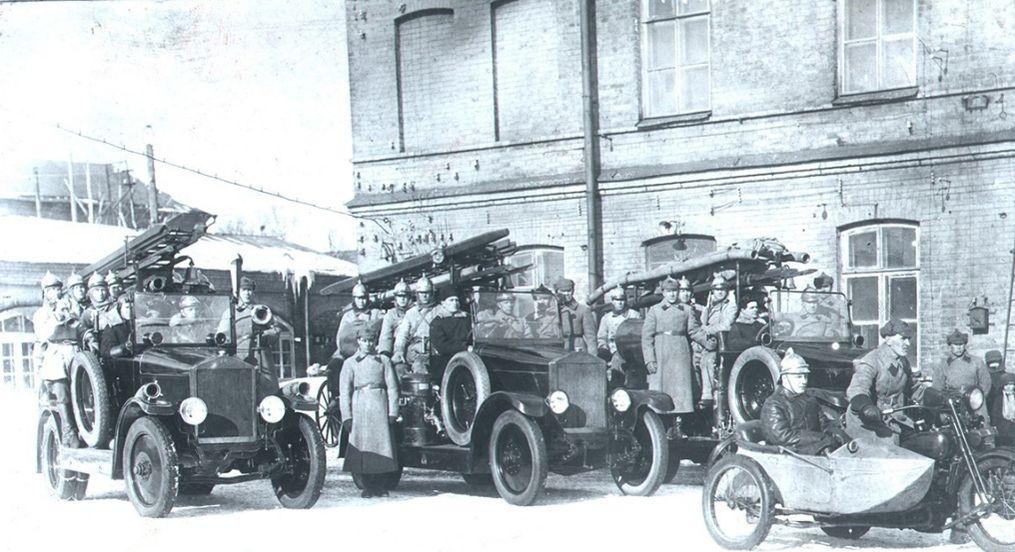 Пожарная команда Ижстальзавода, фото 1935 г.