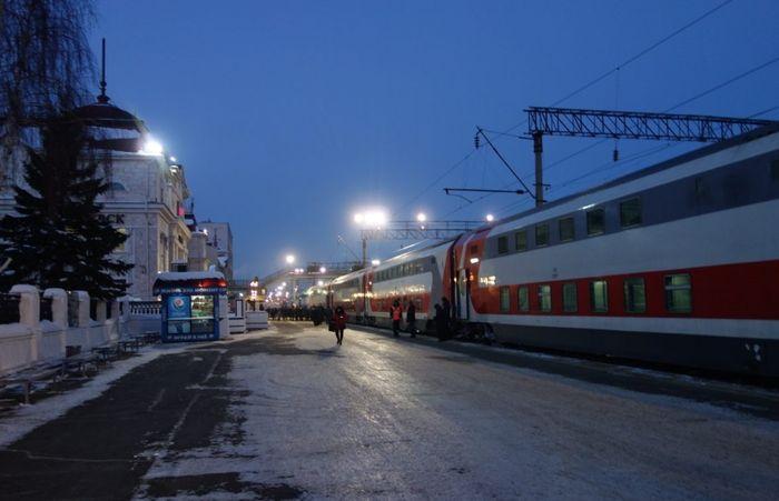 """9 декабря 2018 - первый рейс фирменного поезда """"Италмас"""" сообщением Ижевск - Москва, состоящего из 13 двухэтажных вагонов на 64 места каждый."""