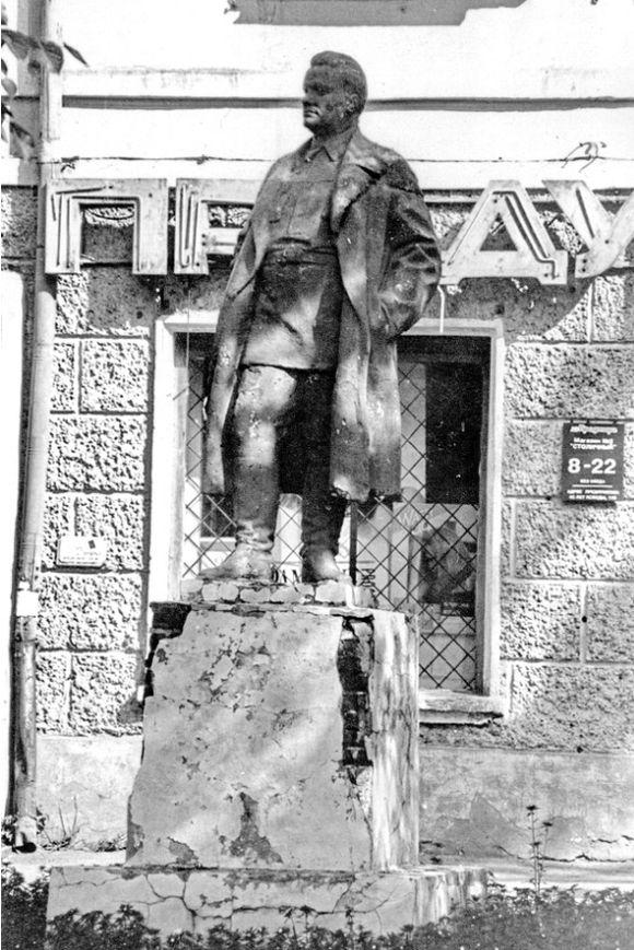 Памятник Кирову С.М. на Советской улице в Ижевске.