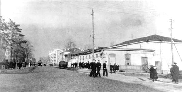 Кинотеатр Одеон. В 1953-1955 годах на его месте построили кинотеатр Дружба. Ижевск.