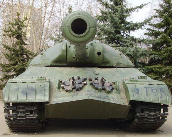 Памятник Сталину в Ижевске, танк ИС-3.